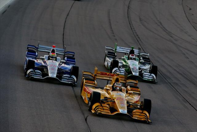 Hunter-Reay Returns to Form in Iowa